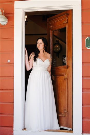 Emily House Bed and Breakfast Paso Robles California Wedding Photography by Mirrors Edge Photography.  Bride in the doorway