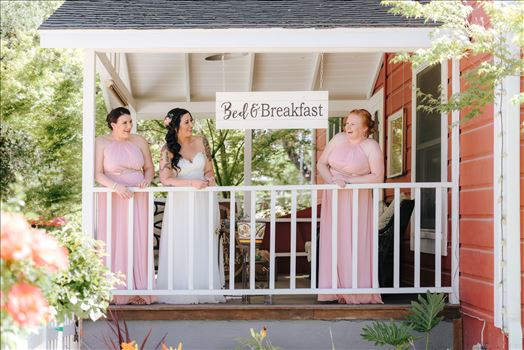 Emily House Bed and Breakfast Paso Robles California Wedding Photography by Mirrors Edge Photography. Bride and her bridesmaids