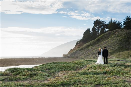 Ragged Point Inn Wedding Elopement photography by Mirror's Edge Photography in San Simeon Cambria California. Bride and Groom at Ragged Point beach. Big Sur Wedding Photography