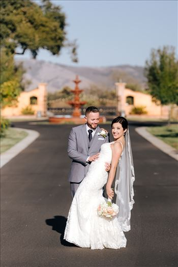 Arroyo Grande California Country Chic and Elegant wedding by Mirror's Edge Photography, San Luis Obispo County Wedding Photographer.  Bride and Groom at A&C Ranch.