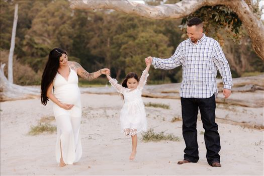 Sarah Williams of Mirror's Edge Photography, a San Luis Obispo County Wedding, Luxury Boudoir and Maternity Photographer captures Ali Marie and Cody's Maternity Session in Pismo Beach. The whole family