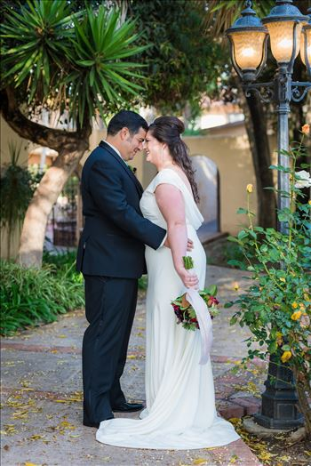 Wedding photography at the Historic Santa Maria Inn in Santa Maria, California by Mirror's Edge Photography. Bride and Groom on the Back Lawn.