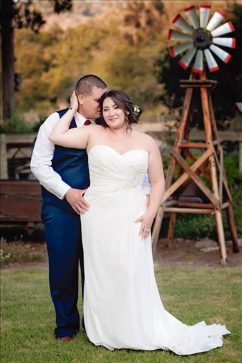 Mirror's Edge Photography captures Madison and Stephen's Wedding at Case de Alvarez in Arroyo Grande, California. Bride and Groom country romance